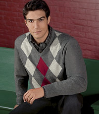 Lambswool V-Neck Diamond Sweater