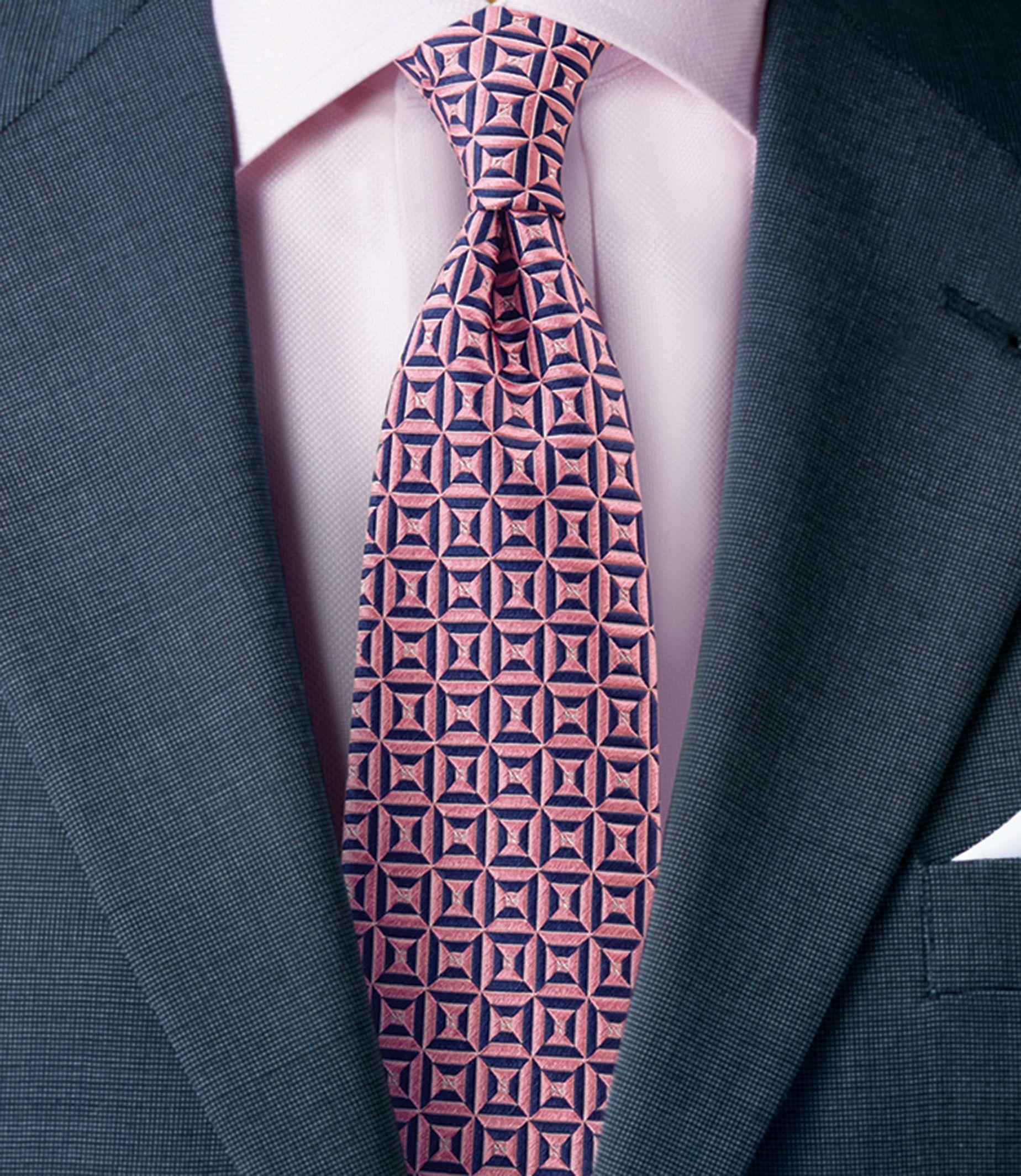Signature Diamonds Tie