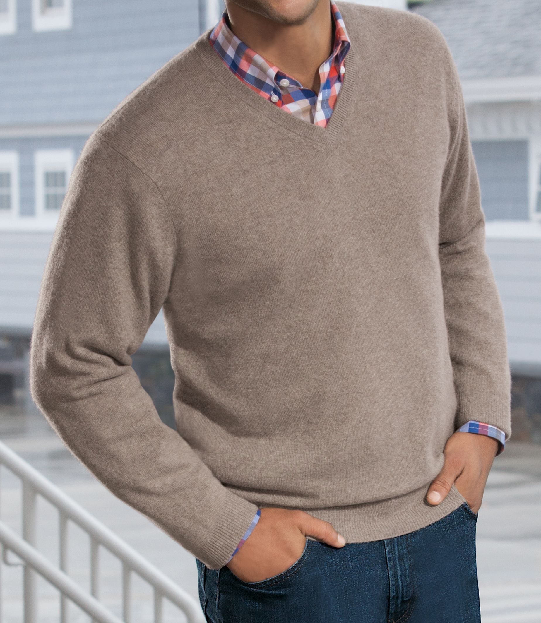 JoS. A. Bank V-Neck Mens Sweater